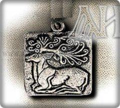 Szkíta fekvő szarvas medál- ezüst
