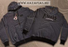 HARCOS kapucnis zipzáras pulóver fekete hímzéssel -CSAK XL MÉRETBEN KÉSZÜLT!