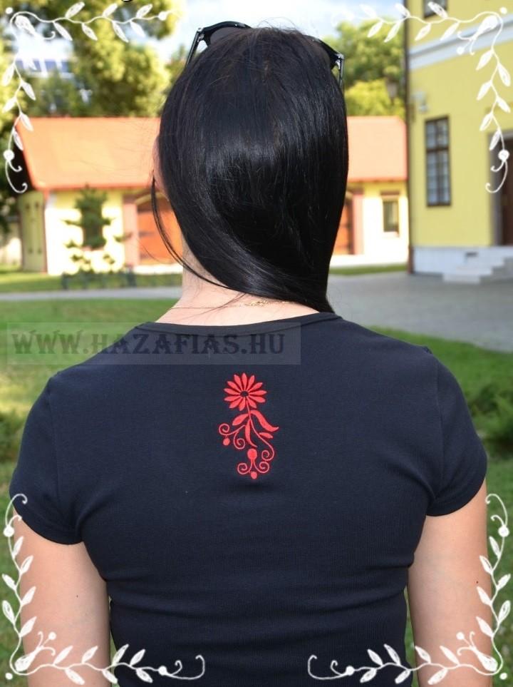 ccbb0a58e7 Női rövid ujjú top - hímzett - magyarbolt,magyaros, nemzeti, könyv ...