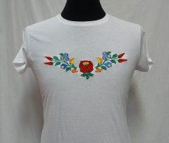 Hímzett női póló kalocsai mintával