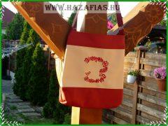 Hímzett női táska magyar népmesés motívummal