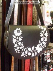 Női táska hímzett kalocsai, fekete