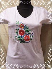 Magyaros női hímzett póló- fehér