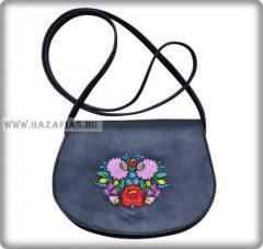 Kis méretű női táska, kalocsai,fekete